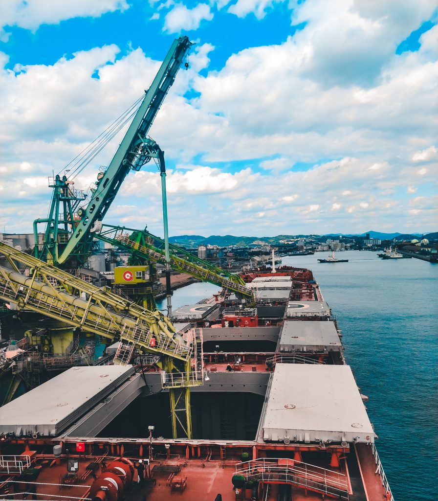 Loading of grain into a bulk carrier